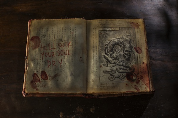 Evil-Dead-2013.-Book-of-the-Dead-1.