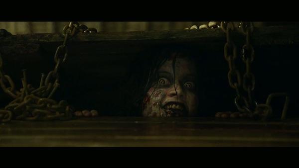 evil-dead-2013-review-top-10-horror-4