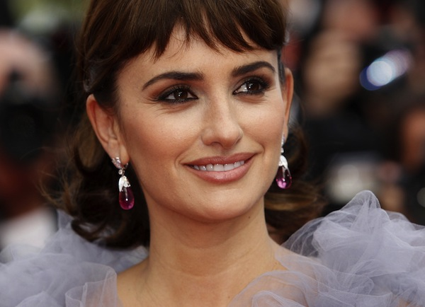 Penelope Cruz Wallpaper @ go4celebrity.com