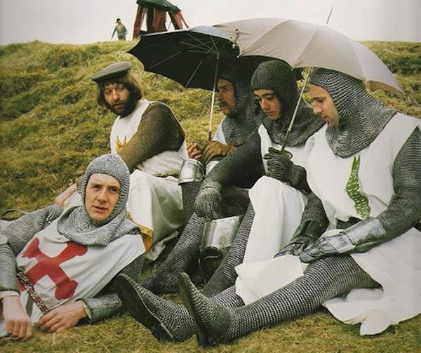 holy graal humour anglais, pluie aussi