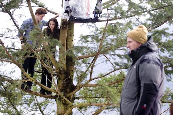 Twilight-on-set-behind-the-scenes-twilight-series-8628719-1280-853