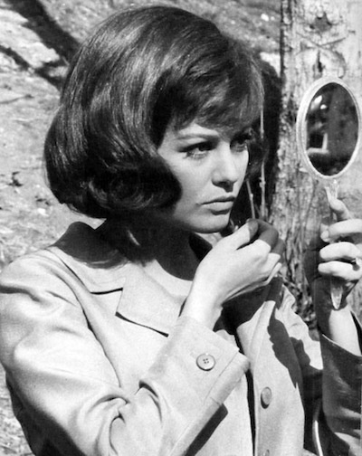 Claudia-Cardinale-mirror-Blindfold