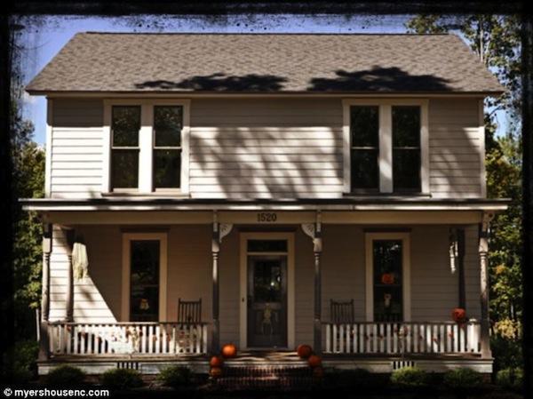 halloween house8-384_634x474