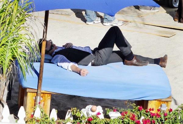 Sonderhonorar ! SIMON BAKER dreht f¸r seine Serie 'The Mentalist' am Strand von Malibu