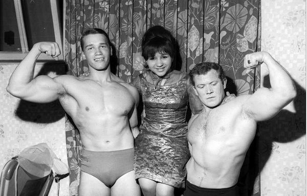 Arnold-Schwarzenegger8-e1401287363423-1024x655