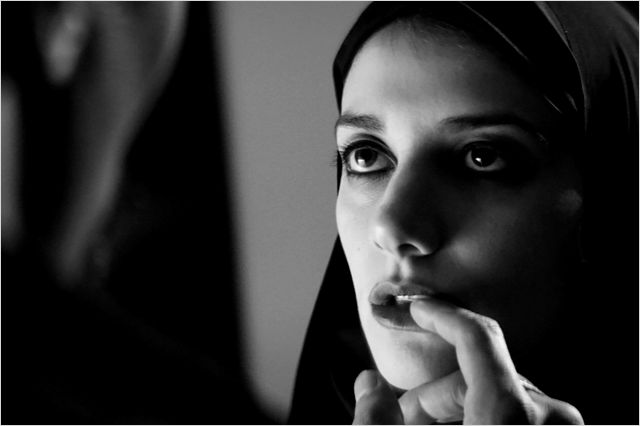 A GIRL WALKS HOME ALONE AT NIGHT 3