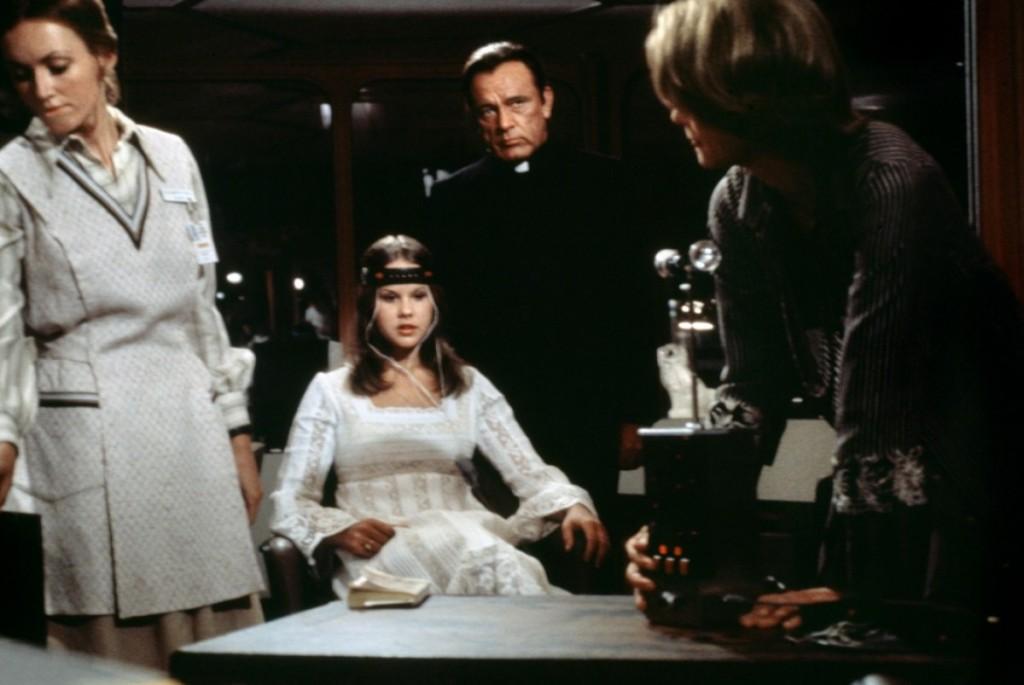 exorciste-2--l-heretique-1977-02-g