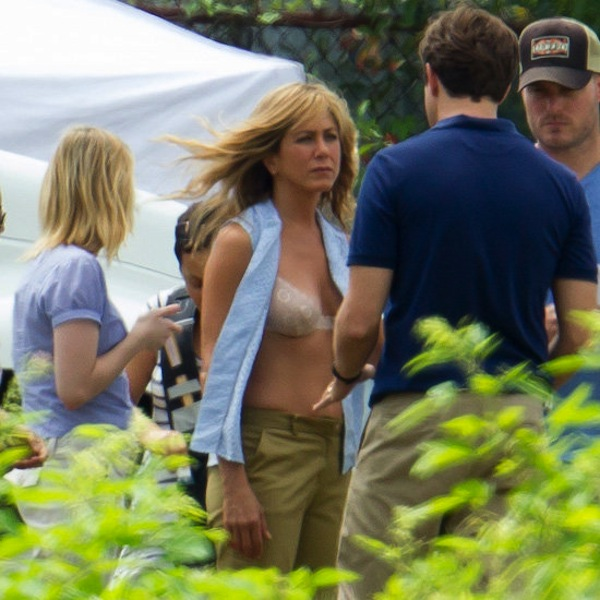 Jennifer-Aniston-Nude-Bra-Pictures-Were-Millers-Set