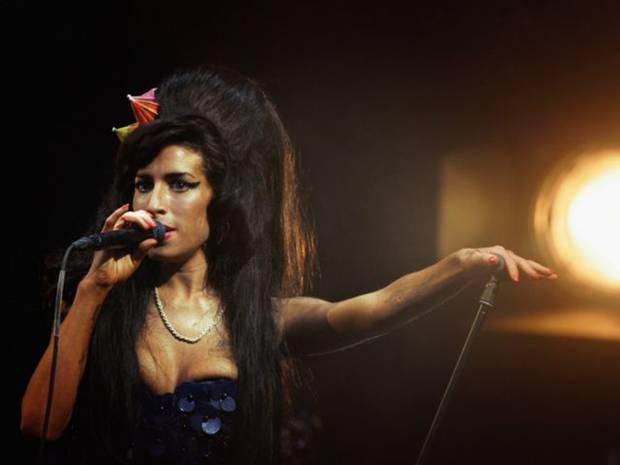 3-Amy-Winehouse-Glastonbury-Getty
