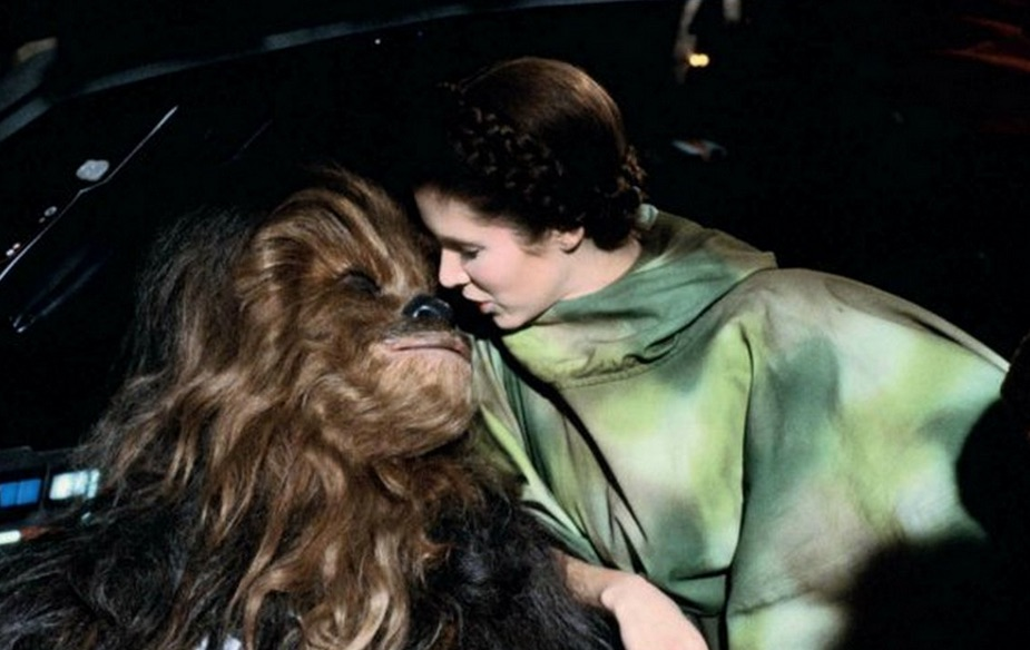 star wars fisher kiss chewbacca 2