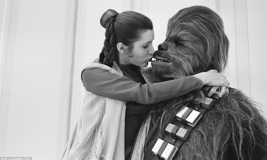star wars fisher kiss chewbacca