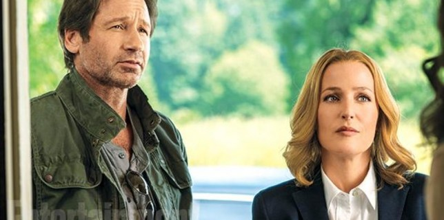 check-out-mulder-scully-in-new-photos-from-the-x-files-2016-miniseries-our-favorite-476106