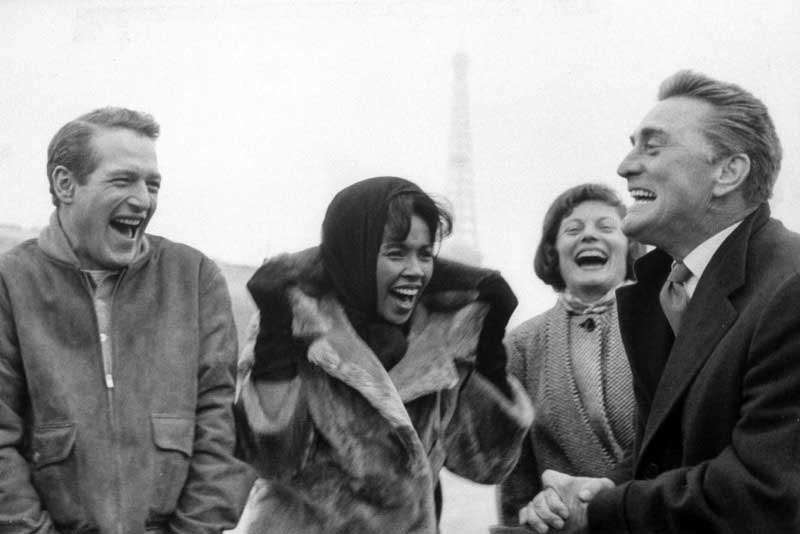Paul-Newman-Diahann-Carroll-and-Kirk-Douglas-on-the-set-of-Paris-Blues