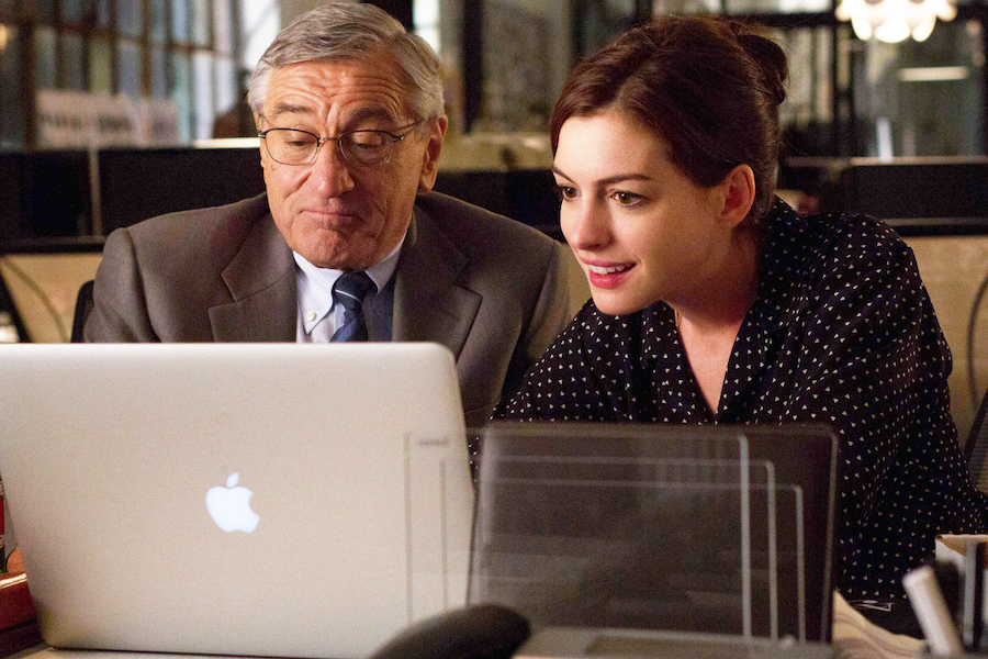 le-nouveau-stagiaire-The-Intern-movie-2015-picture-2-de-niro-hathaway