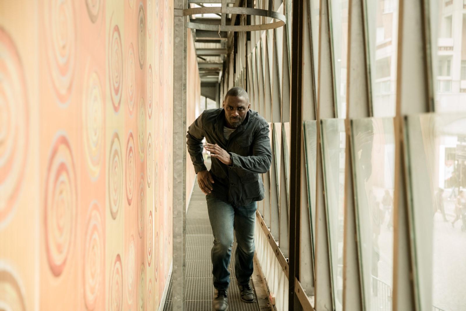 Sean Briar (Idris Elba)