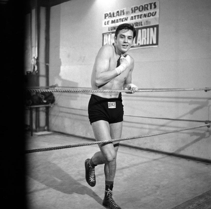 alain-delon-en-boxeur-film-rocco-et-ses-freres-luchino-visconti-1960