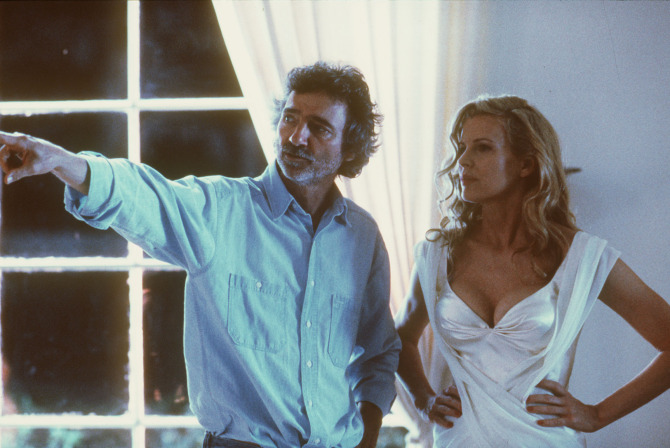 9/18/97--Slide--Director Curtis Hanson and actress Kim Basinger on the set of 'L.A. Confidential' jf