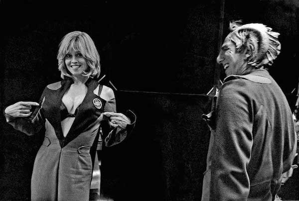 rickman-sigourney-weaver-and-alan-rickman-having-fun-on-the-set-of-galaxy-quest
