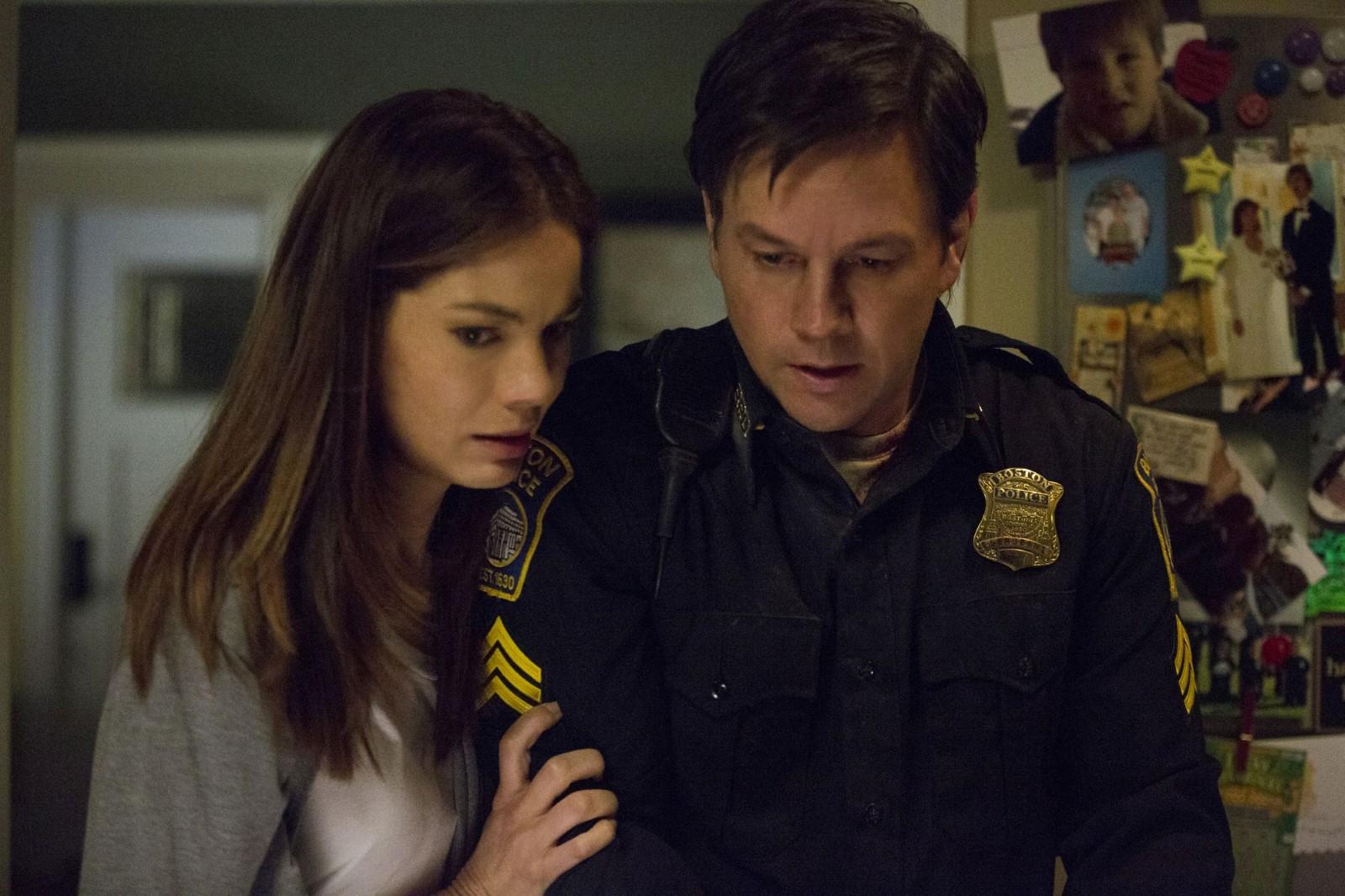 Wie so viele Bostoner können Carol (Michelle Monaghan) und Sgt. Tommy Saunders (Mark Wahlberg) das Geschehene später kaum fassen.