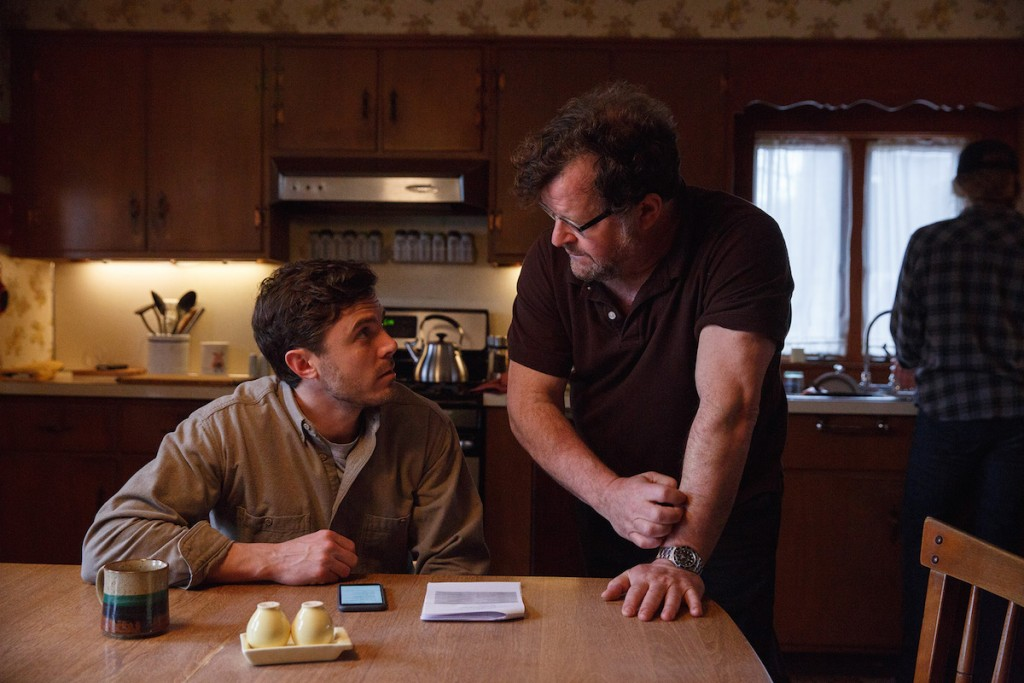 Casey-Affleck-and-Kenneth-Lonergan-on-the-set-of-MANCHESTER-BY-THE-SEA