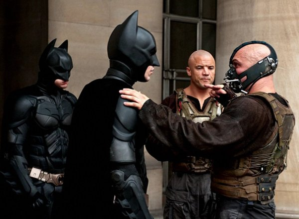 actors-stunt-doubles-on-set-dark knight rises
