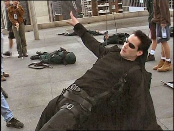 Behind-The-Scenes-Of-Matrix-1