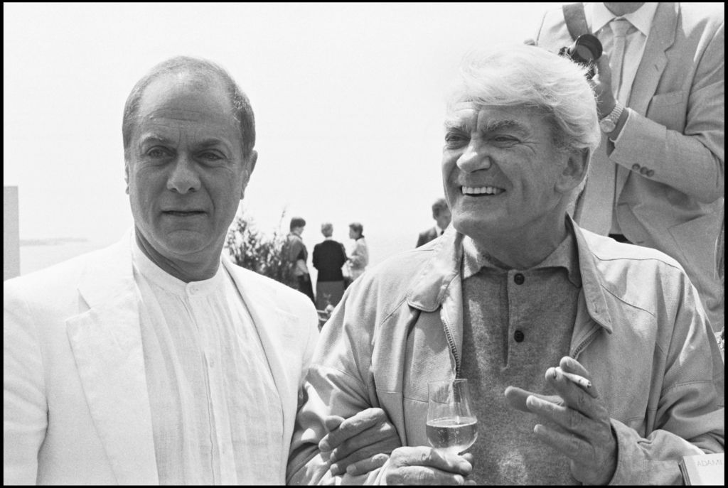Les-legendes-du-cinema-francais-a-Cannes-Tony-Curtis-et-Jean-Marais-a-Cannes-en-1984_exact1024x768_l